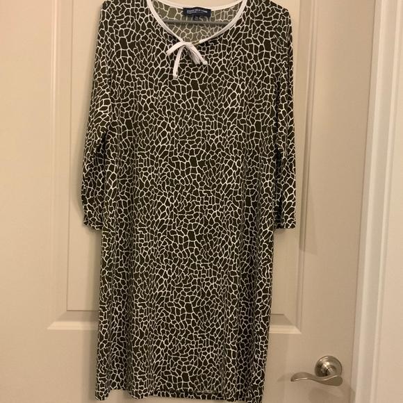 Jones New York Dresses & Skirts - JONES NEW YORK SIGNATURE SNAKESKIN PRINT DRESS